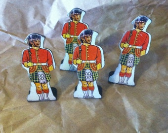 1930s Marx Toy Soldier Targets 4 Gordon Highlanders