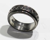 Ring - Spinner Ring - Great Design on Exterior Ring - Wider Band - 925 Silver Setting -  Size 9.5