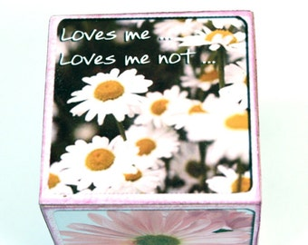 Daisy Wooden Block, Loves Me, Loves Me Not, Pink Flowers