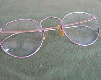 Vintage American Optical Ful-Vue Eyeglasses with decorative gold metal frames