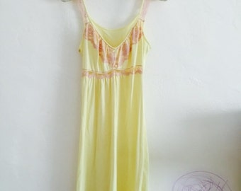 DReAMy 1960s vintage butter yellow & pale pink lace slip dress xs/s