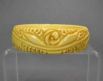 Carved Bakelite Bangle, Flower Bracelet, Creamed Corn, Wedding Jewelry