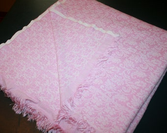 Vintage Pink Floral Woven Coverlet  Full/Twin Bedspread Tablecloth