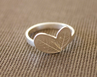 Small Silver leaf ring - Minimal ring - Contemporary jewelry
