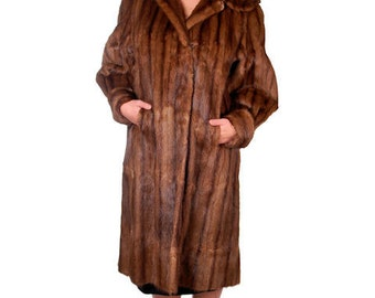 Sale Vintage Fur Coat / 1940s Swing Coat in Brown Suoer Soft  Muskrat Fur from Vogue Fur Shop