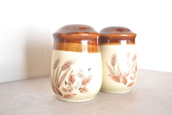 Wheat Salt & Pepper Shakers Large Ceramic 70s Vintage Retro Country Harvest Motif
