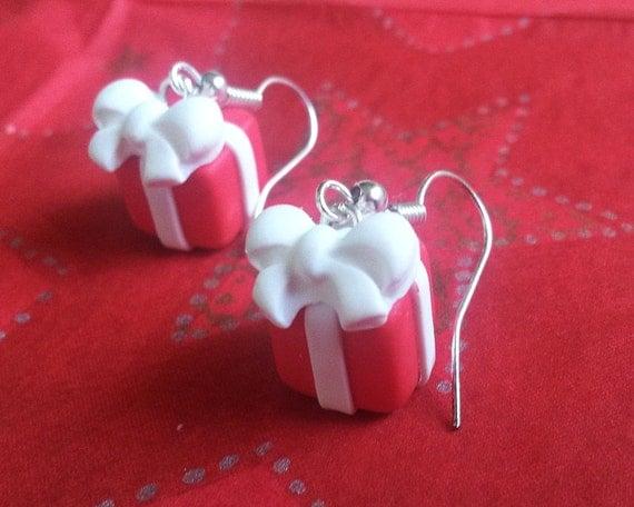 Gift Box Earrings ( Christmas earrings red earrings christmas gift christmas jewelry polymer clay jewelry red box earrings cute earrings )