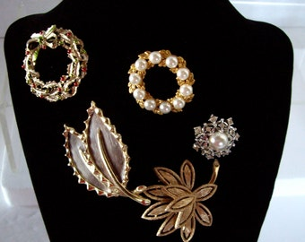 Vintage brooches, jewelry pins, signed, five brooches 1980s
