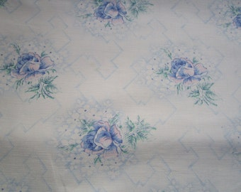 Vintage French Fabric Blue and Pink Tea Roses Suitable for Patchwork Quilting, Lavender Bags Feedsack