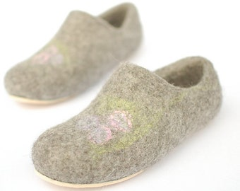 Felted slippers Gray for girl - Eco gift organic natural gray Winter Christmas - Size Eur 34 / US 3