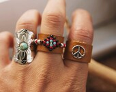 BLR-01,Native American inspired an adjustable beaded leather ring,black,brown,white,hippie,boho