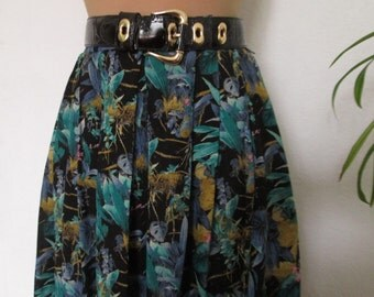 Pretty Skirt Vintage / Viscose / Small Size / Size EUR36 / 38 / UK8 / 10