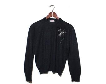 Small   1950's Lady MacPerth Black Crop Sweater w/ Pinwheel Flower Houndstooth Design Sock Hop Fashion