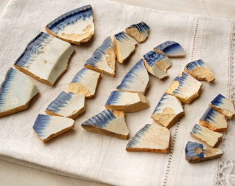 SALE 22 assorted found edged ware blue and white ceramic pottery pieces (no.b10)