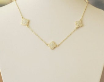 Clover Necklace, Gold and Mother of Pearl Enamel Four Leaf Clover Flower Necklace, Short Necklace, Gift for her, Holiday Gift