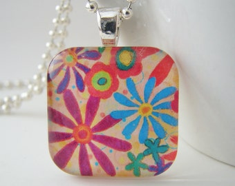 Modern Daisies Glass Tile Pendant with Free Necklace
