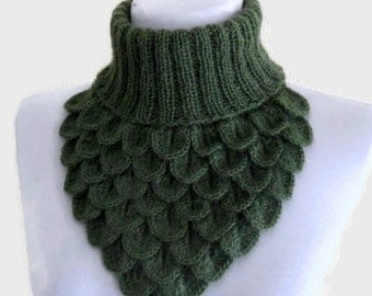 Crochet Neck Warmer, Crocodile Scarf, Neck Cowl, Green Chunky, soft, Winter