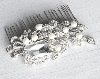 Vintage inspired crystal wedding comb. Floral crystal bridal hair comb
