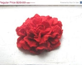 ON SALE 30% Red Felted flower brooch. FREE Shipping. Gift under 25.