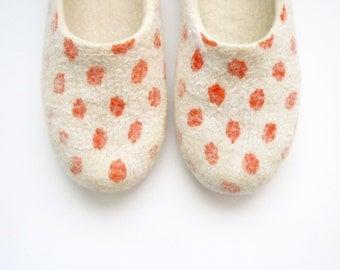 Felted summer color slippers Orange Dots.