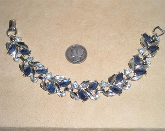 Vintage Sarah Coventry Bracelet With Blue Rhinestones 1960's Signed Jewelry 16