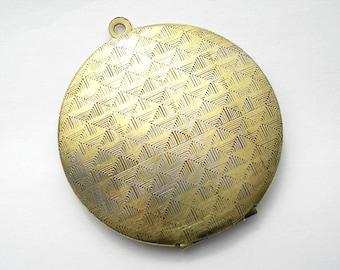 30mm Round Antiqued Brass Locket