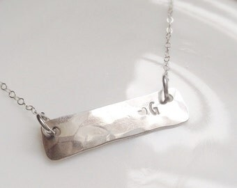 Initial Necklace Silver Simple Bar Textured Hammered Heart Monogram Jewelry Gift for Mom Teen