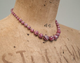 Vintage pink glass choker necklace, speckled glass necklace, Italian glass necklace, Made in Italy, mid century necklace, 1950s choker