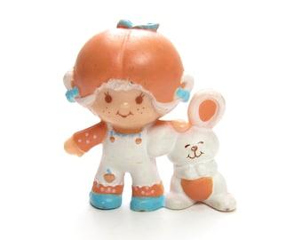 Apricot with Hopsalot Figurine Vintage Strawberrry Shortcake Strawberryland Miniatures Mini Doll & Pet