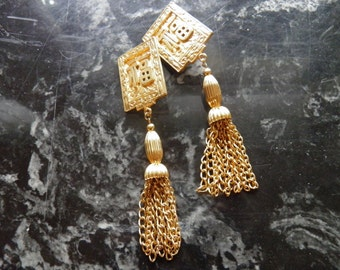 Vintage Shoulder Duster, Dangle Chinese Style Earrings, Clip