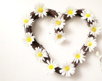 sale Daisy flowers  wreath , Heart wtreth ,Daisies  decoration,White Daisy Wreath, summer Wreath, Front Door Wreath