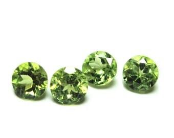 Gem cut 5mm round peridot gemstones