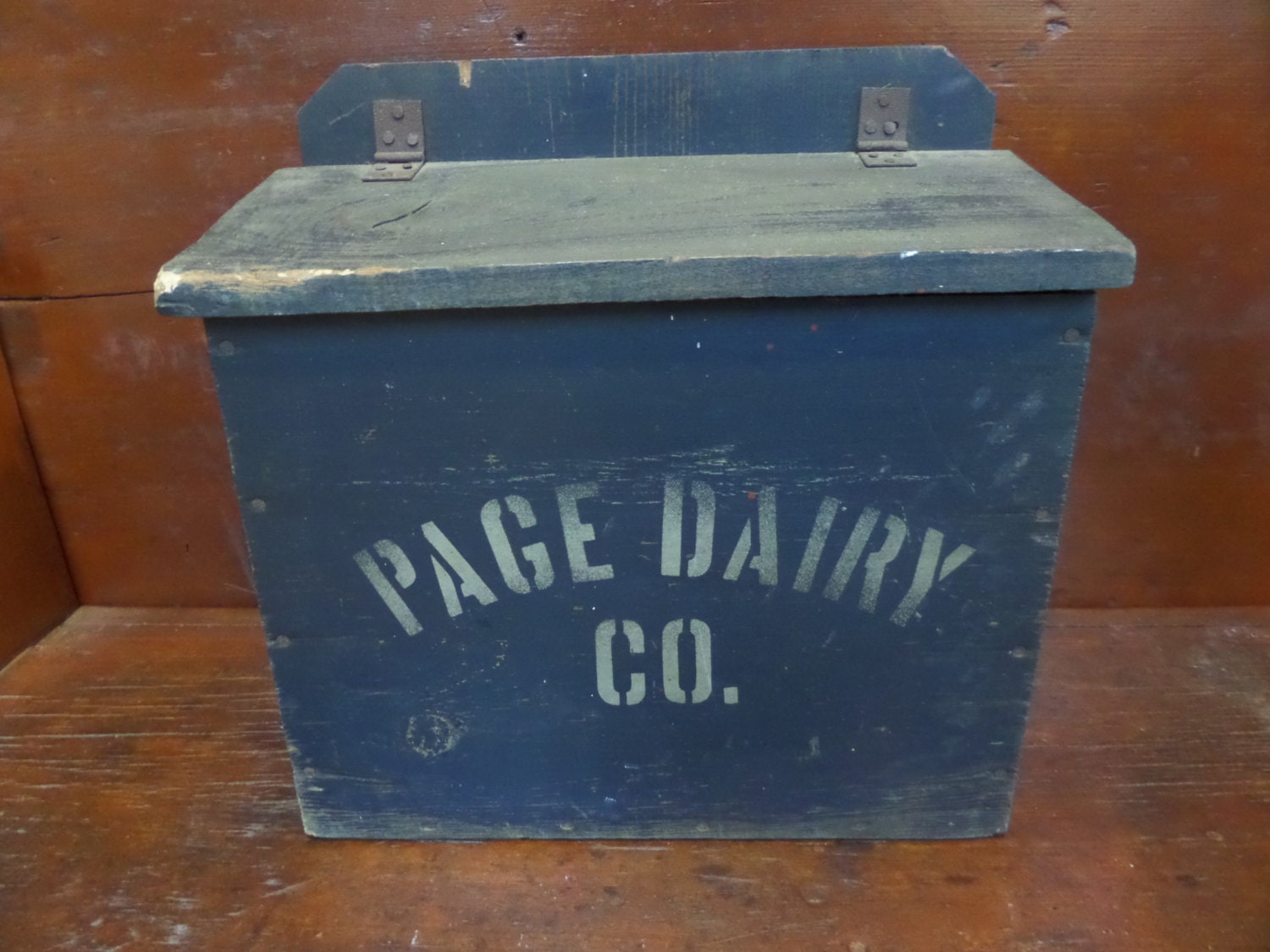 antique dairy milk box blue painted page dairy co. Black Bedroom Furniture Sets. Home Design Ideas
