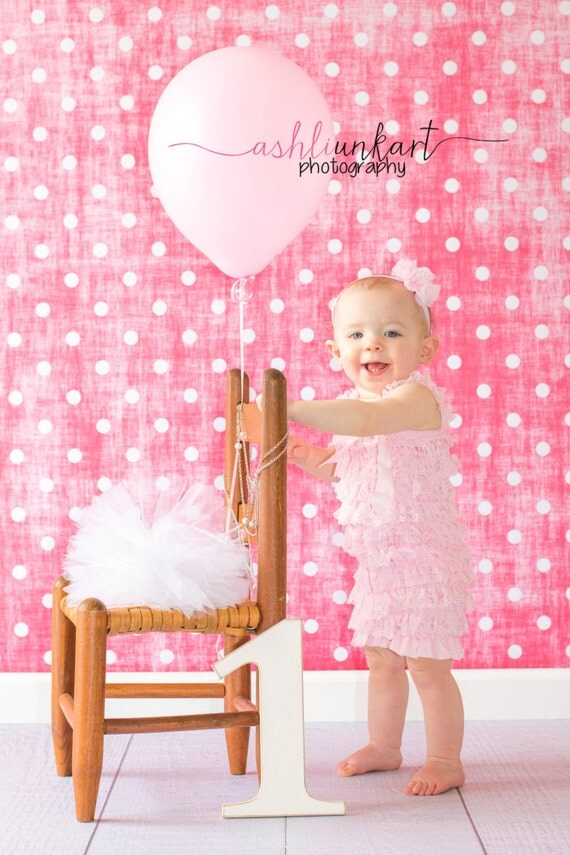 4ft x 4ft Vinyl Photography Backdrop / Pink Grunge Polka Dots