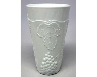 4 Milk Glass Tumblers Harvest Grape Vine Colony Indiana Glass