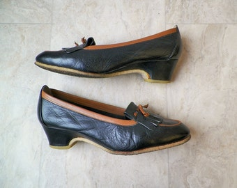 vintage crepe soled brogues . tassle shoes . dark blue shoes, womens size 7