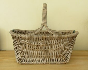 Vintage Wicker Basket with Green Handle Picnic Cottage Chic Home Decor