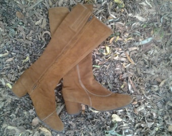 Vintage Womans Brown Suede Boots-Size 7