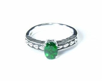 Chrome Diopside ('Russian Emerald'), 7mm x 5mm x 0.87 Carats, Oval Cut, Sterling Silver Ring