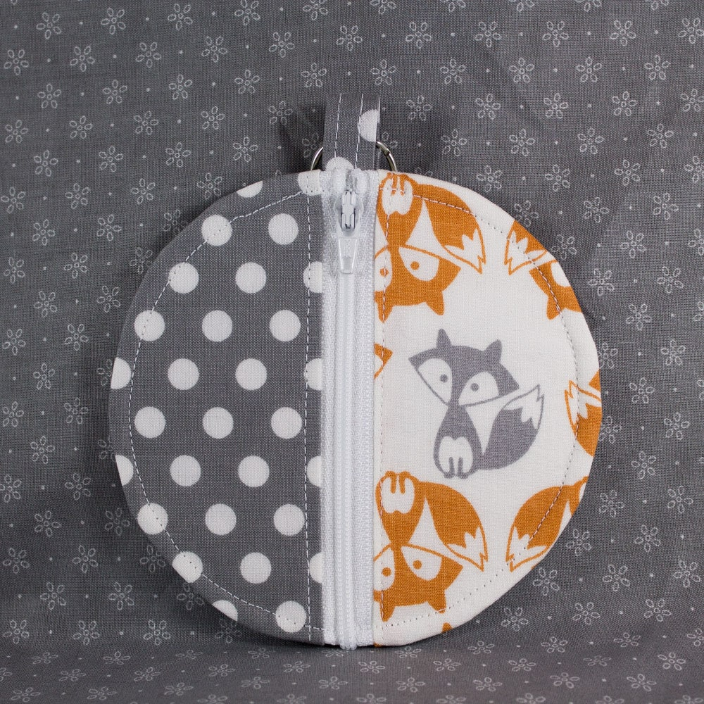 Knitting Notions Organizer : Knitting notions pouch round small change purse foxes