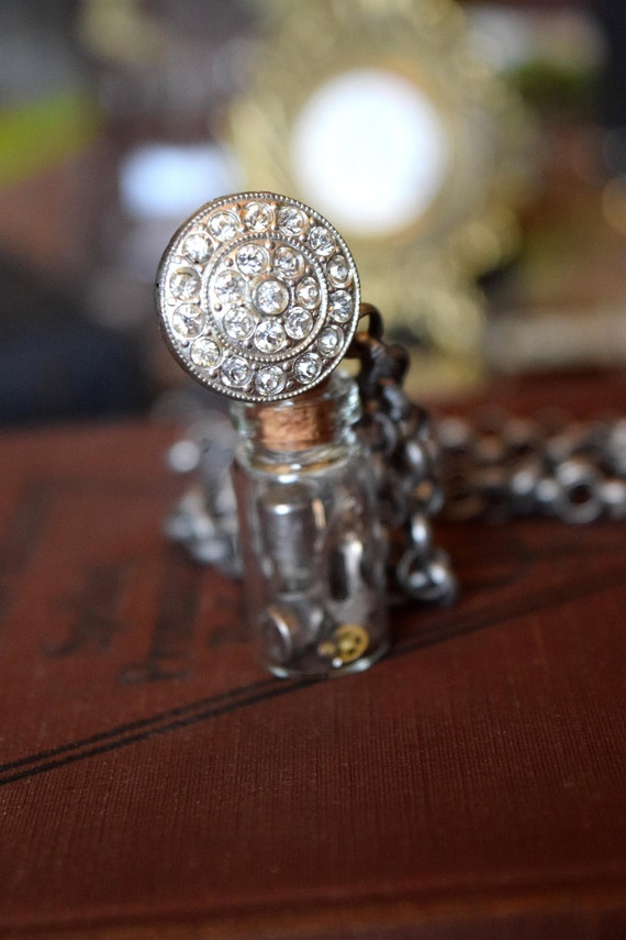 Steampunk Jewelry - Glass Vial Necklace - Steampunk Necklace - Alice in Wonderland Jewelry - Glass Vial Jewelry with Light Bulbs - Victorian