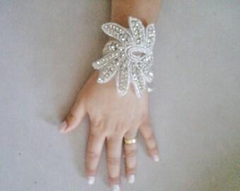 Bridal Bracelet Rhinestone Wedding Bracelet Flower girls Wedding Bracelet Bridal Jewelry Pearls and Rhinestones Bracelet Gift İdeas