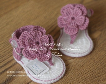 Crochet baby sandals, gladiator sandals, baby booties, baby shoes, size 3-6 months, white, violet, plum, purple, Ready to ship