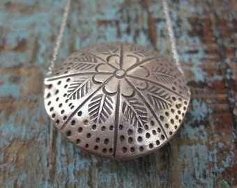 SALE Boho chic necklace- Silver Flower Necklace