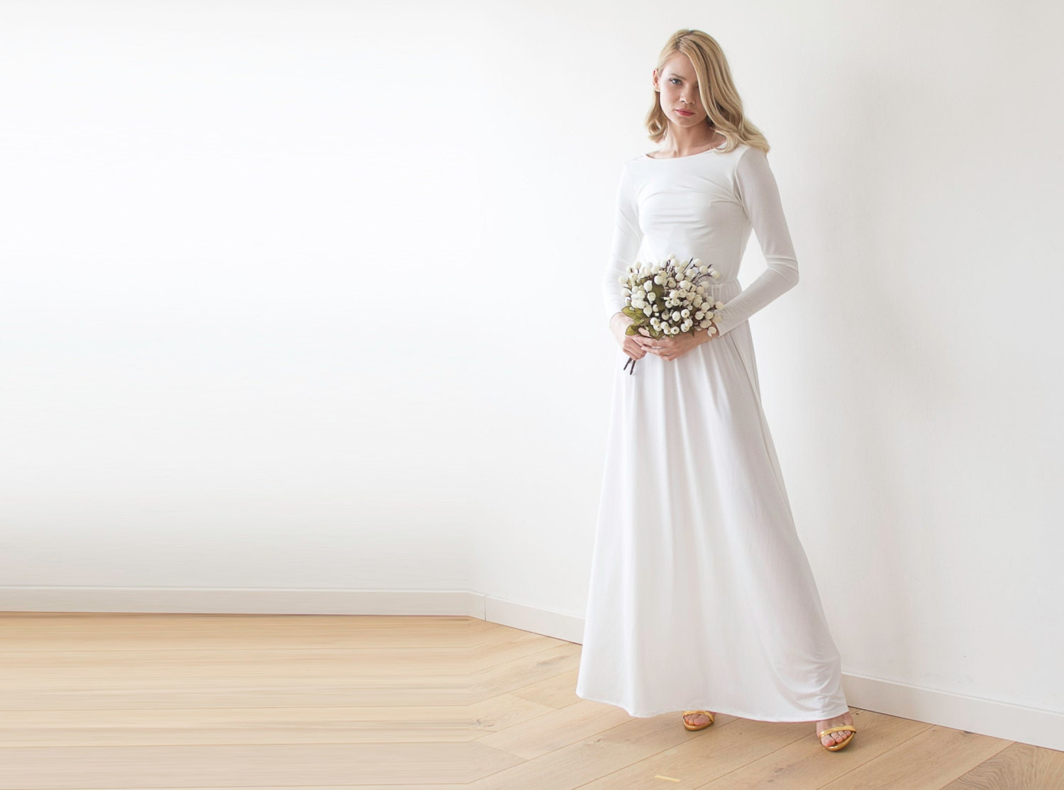 Open back maxi ivory dress Long sleeves wedding gown Low