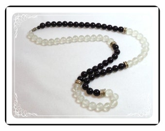 Bead Vintage Necklace - Retro Black & Translucent Bead     Neck-1575a-052112000