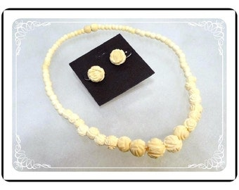 White Rose  Bead Demi - Vintage Carved  Necklace & Earrings for Pierced Ears   -   1657-121012000