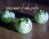 Bead Pattern 90: Anglo-Saxon green trailed beads (reproduction)