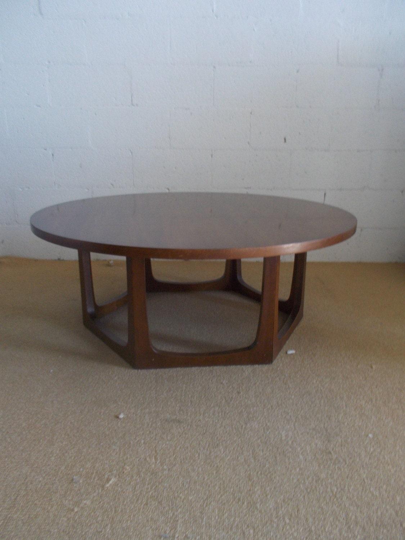 Groovy Big Round Mid Century Modern Walnut Style Geometric Style Solid Wood Coffee Table Haute
