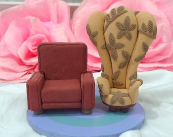 Carl and Ellie's chairs in UP wedding cake topper clay doll, UP chairs clay miniature engagement decor,clay figurine ring holder,clay couple